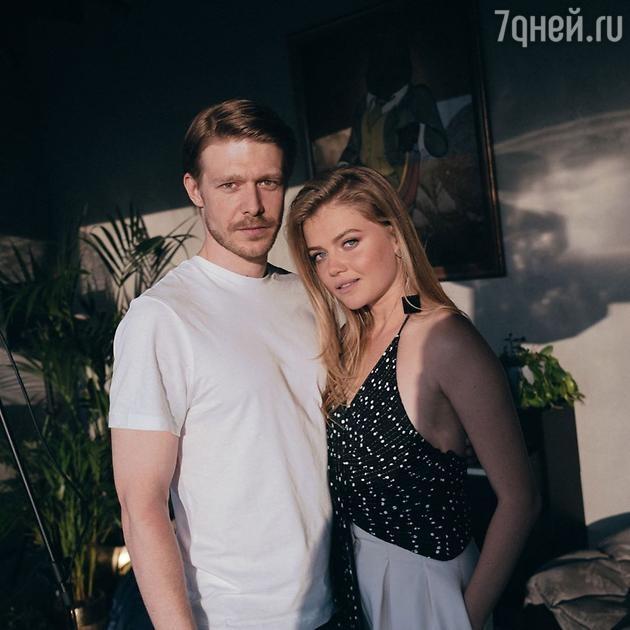 Мария Ивакова и Никита Ефремов признались в том, что они пара