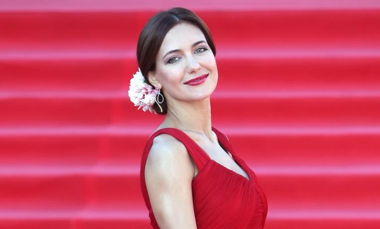 Фанаты Екатерины Климовой не смогли отличить артистку от её собственной дочери