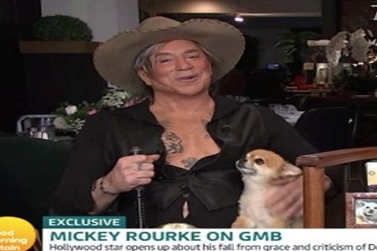 Микки Рурк шокировал публику после неудачной пластической операции